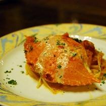 *【夕食(一例)】ワタリガニのパスタに舌鼓♪(料理一例)