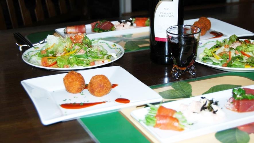 *【夕食(一例)】見た目も華やか!彩り豊かなメニューをお楽しみください。