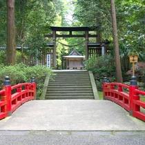 【金鑽神社:かなさなじんじゃ】日本武尊が 東征の際に創祀したと伝えられています。