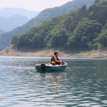 【神流湖でフィッシング】5:00~17:00まで1,000円で魚釣りができます(ボート代別途)