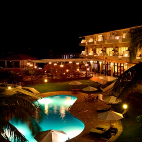 プールサイド夜景
