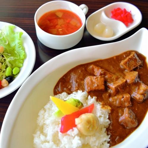 【ランチ】石垣牛煮込みカレー