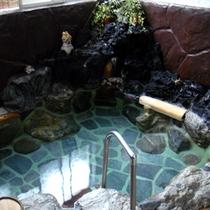 *掛け流し天然温泉