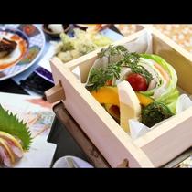 旬の野菜と県産ポークを使ったオリジナル料理「将軍杉年輪蒸し」