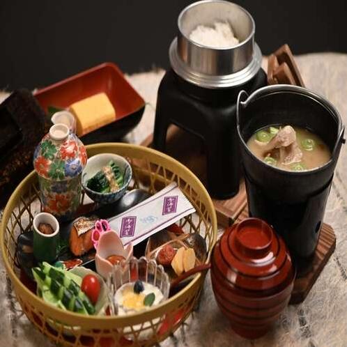 【朝食】和定食『籠入り娘』