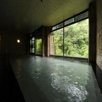 四季が見渡せる大浴場【白鷺湯】
