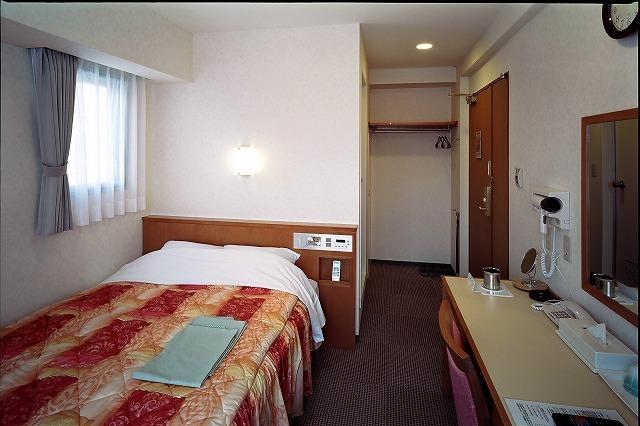 コーナーダブルルーム ベッド幅140cm