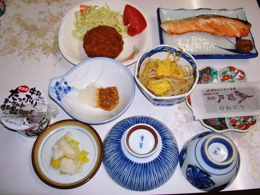 【味覚】【添い寝無料】ボリュームアップ☆夕食に郷土料理追加☆観光・出張にお勧め
