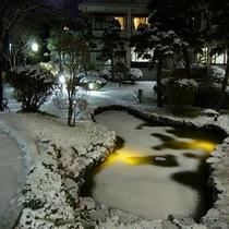 自慢の歴史ある庭園【冬季夜】