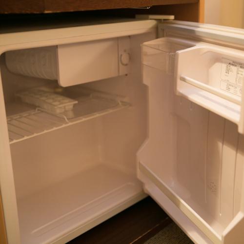 【ロイヤルイン川内】客室設備 冷蔵庫