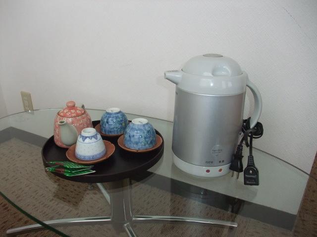 急須、湯のみ、お茶