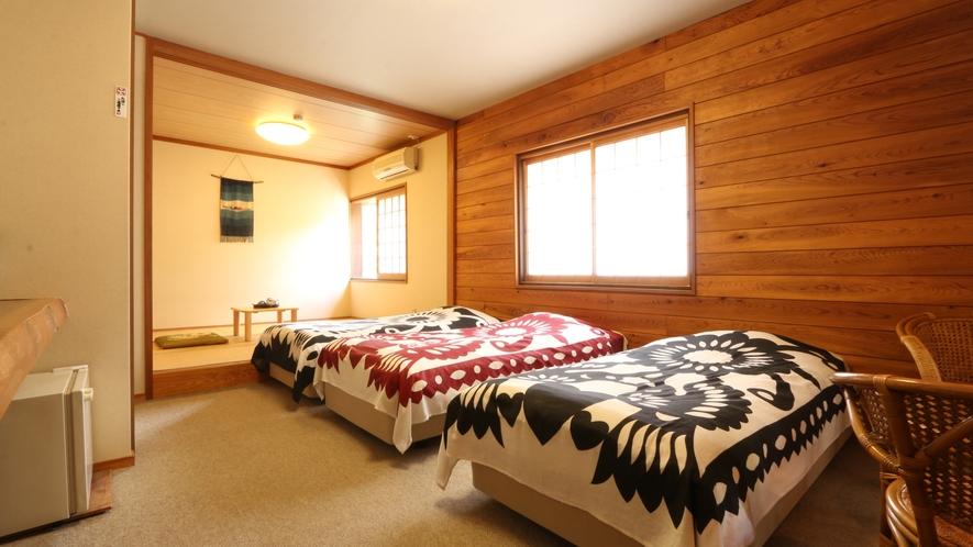 和洋室のお部屋。広々とお過ごしいただけます。