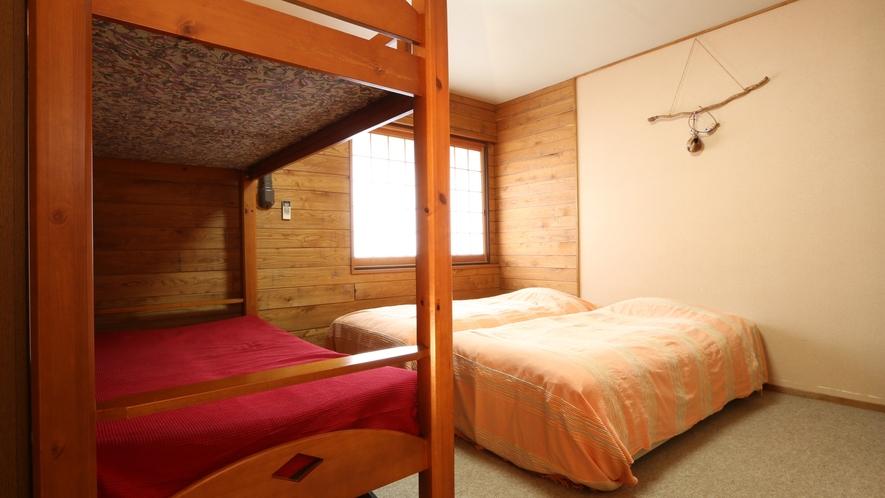 洋室のお部屋。全室ユニットバス・トイレ付