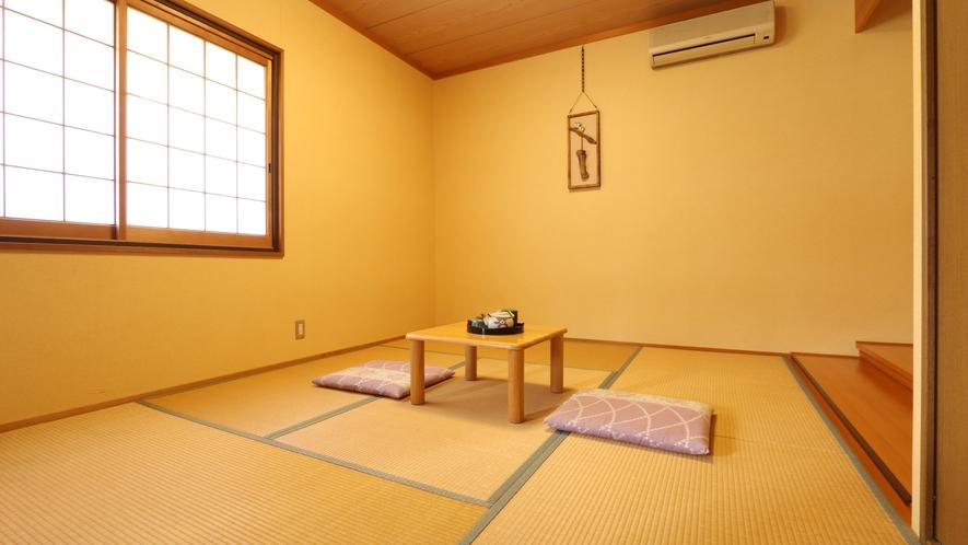 和洋室のお部屋。冬にはコタツをご用意致します