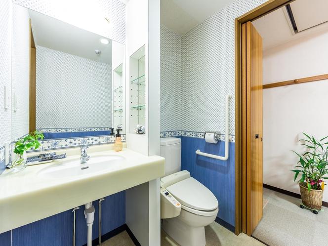 ダブルルーム かわいらしくてアットホームな洗面所