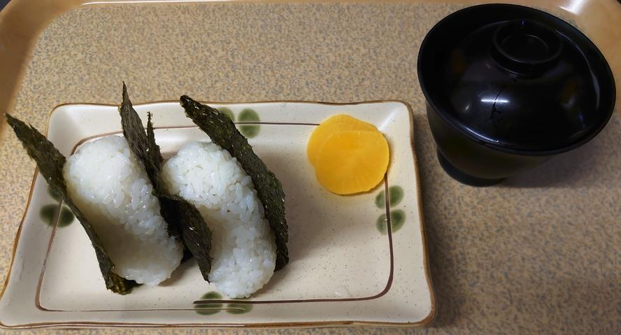 軽朝食:おにぎり軽食