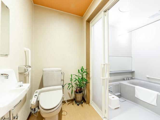 喫煙 和室三人部屋 洗面所とバスルーム