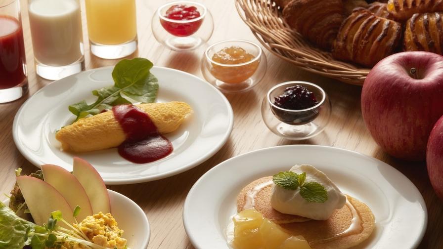 《朝食付》(朝食:ビュッフェ)