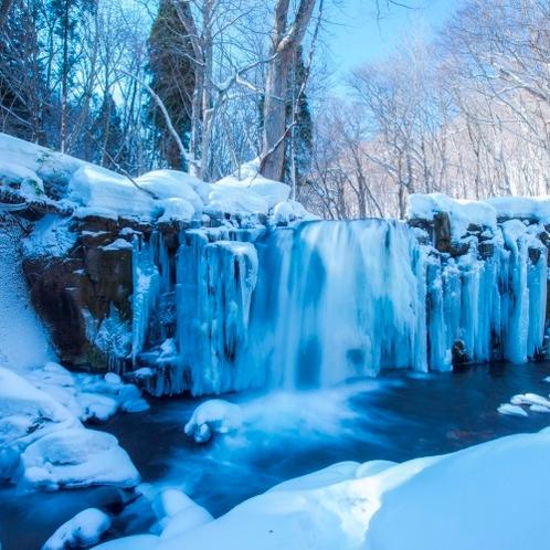 冬の銚子大滝