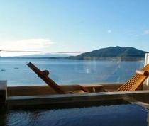 露天風呂と橘湾