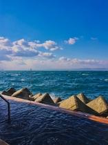 海上露天風呂 波の湯茜♨ オレンジベイのすぐ裏手にあります♪ 夕方からは貸し切りにできます♪♪