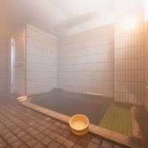 """*小浴場(男湯)/ご希望により""""無料貸切""""もできます!じっくりと「温泉」をお愉しみ下さい。"""