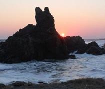 義経伝説 犬岩からの夕日