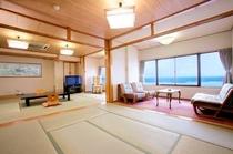 海は目前!オーシャンフロントの広い和室(客室一例)