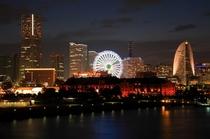 横浜港大桟橋からの夜景です