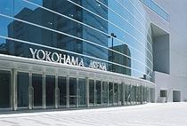 『横浜アリーナ』へはホテルより電車を使って40分程度です。新横浜下車。