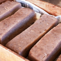 【自家製こんにゃく】臼と杵を使った秩父「浦山地区」の製法で仕上げます。(冬季限定)