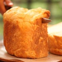 【ご朝食一例】土鍋ご飯を使用して作る「ごパン」。もちもちの食感が癖になります