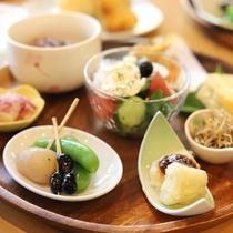 【ご朝食一例】おいしいものを少しずつ♪女将のれいこさん考案「姫のままごと朝ごはん」