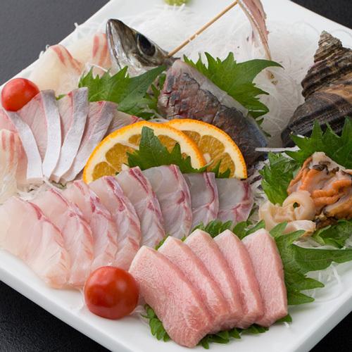 【地魚の刺身盛り】