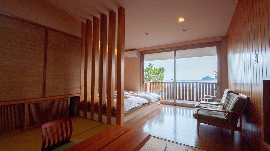 【海の見える高台別館の客室・海椿】天然の木を使った。温かみのあるお部屋。