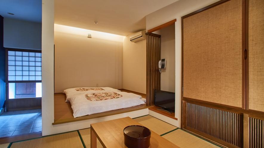 【海の見える高台別館の客室・かもめ】隠れ家的で落ち着いた雰囲気のお部屋。
