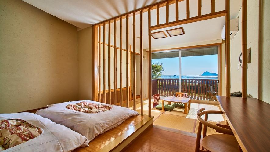 【海の見える高台別館の客室・つわぶき】竹を基調としたお部屋。一番の眺望。