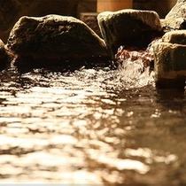 湯田中温泉は、長命長寿の名のある霊験あらたかな温泉です
