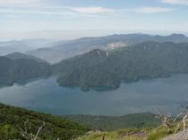 男体山頂からの景色(中禅寺湖、富士山)