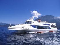 中禅寺湖機船「アストリア号」