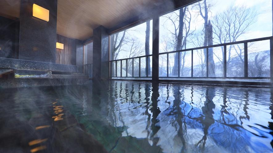 【温泉】ブナ林が雪化粧した冬だけの景色を眺めながら。