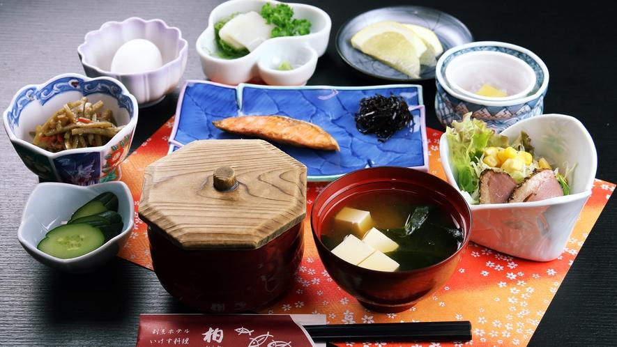 ■ご朝食 イカ刺しが密かな人気の和食膳!ドトールコーヒー・お茶はおかわり自由♪