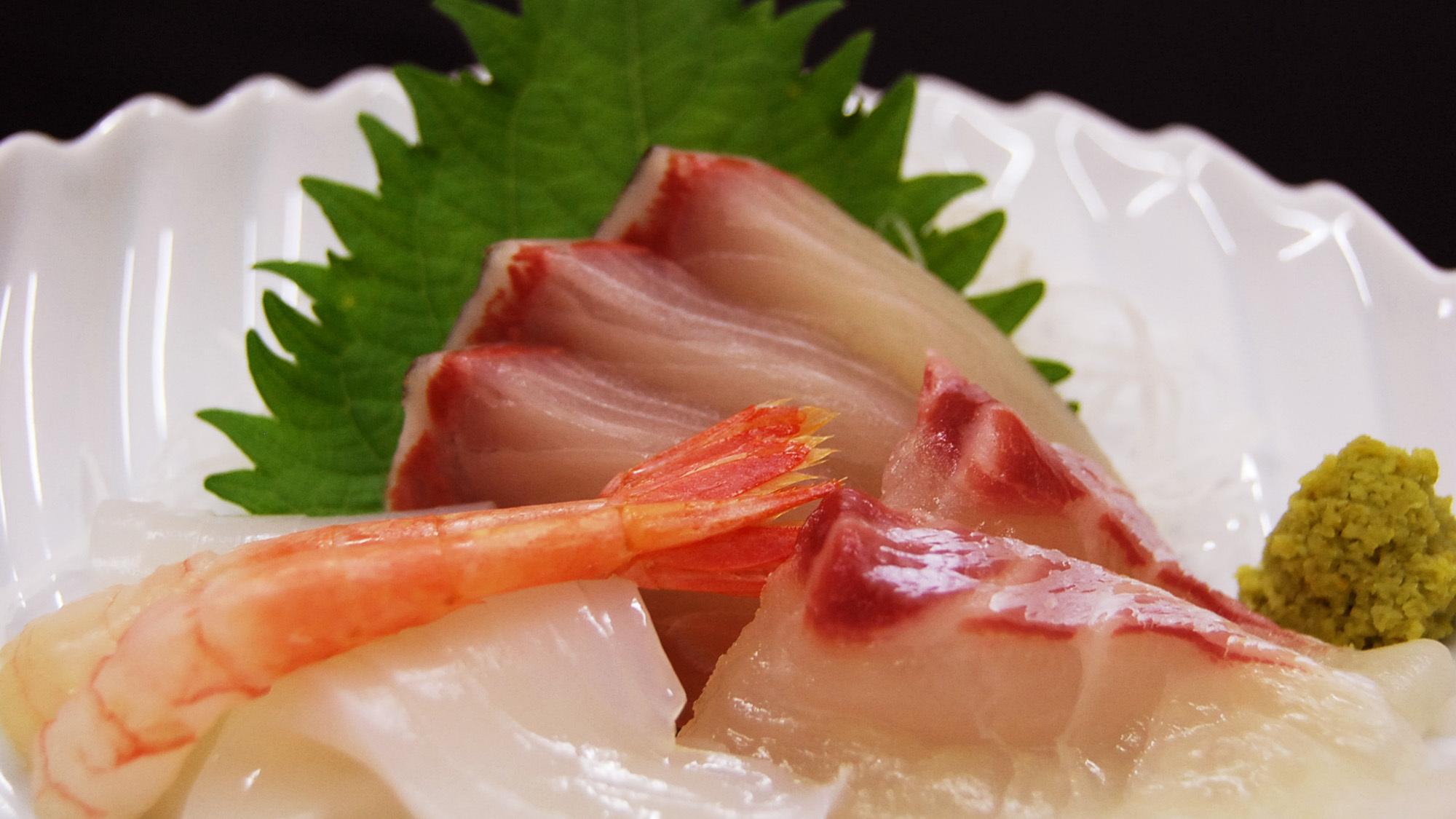 *【夕食一例/お刺身】新鮮なぷりぷりっとしたお刺身も絶品♪
