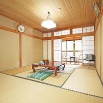 *和室8畳/落ち着いた雰囲気の和室でございます。旅の楽しい時間をお過ごし下さい。