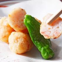 *夕食一例/海老団子。オーナーがひとつひとつ、手間暇かけて丁寧にお作りします。
