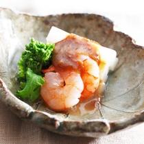 *夕食一例/季節ごとに考えられたメニュー。オーナーが手間暇かけてお作りします。
