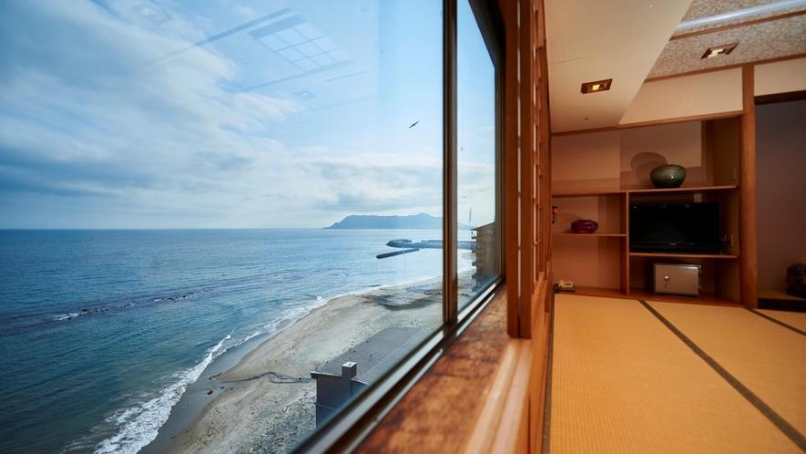 洗心亭から望む津軽海峡