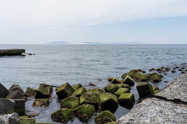 海岸まで歩いて5分