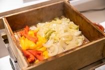 バイキング朝食「温泉蒸し野菜」