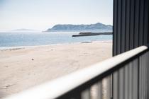 展望風呂客室「東海亭」から望む津軽海峡と函館山